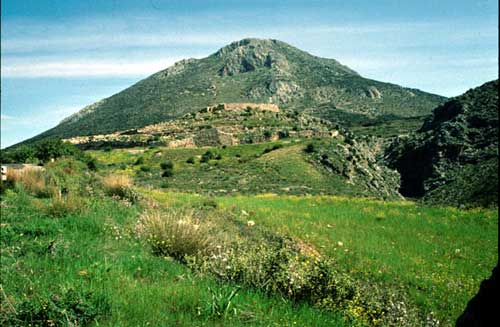 mycenae and agamemnon After he located troy, heinrich schliemann set out to find mycenae according to  the iliad, that ancient place had once been ruled by agamemnon once again.