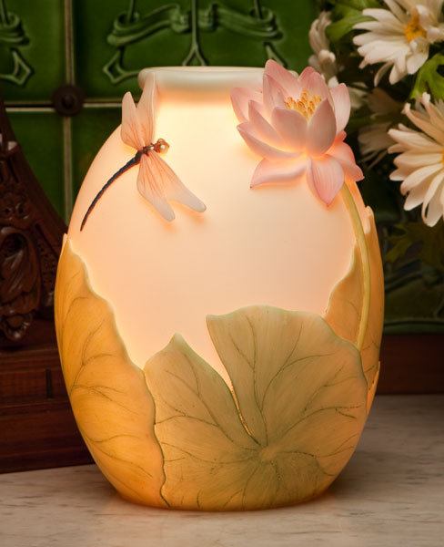 Dragonfly Water Lily<br>Accent Lamp