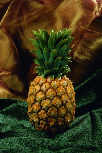 pineapple table vase. Black Bedroom Furniture Sets. Home Design Ideas