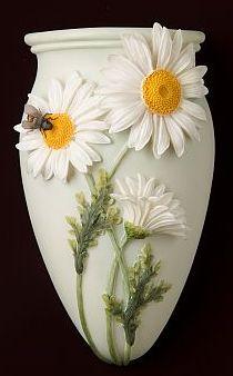 Daisy and Bee Wall Vase/Wall Pocket