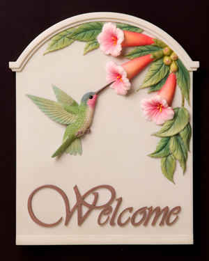 Hummingbird with Trumpet Flower Welcome Plaque