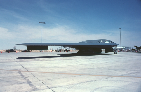 B-2A 90-0040 at Holloman Air Force Base 1995