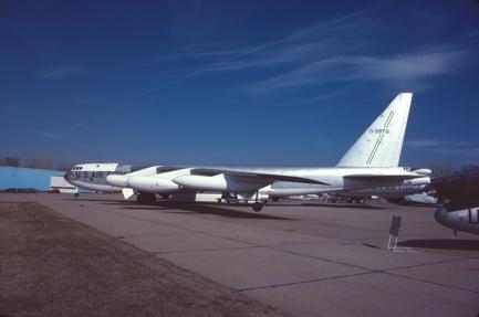 RB-52B 52-8711