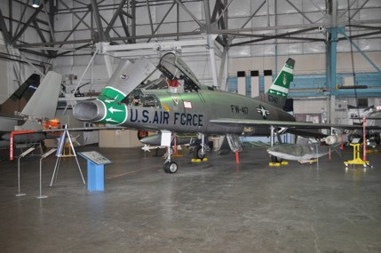 F-100D super sabre 56-3417 at the wings over the