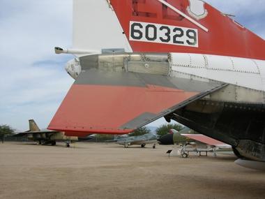 https://www.angelfire.com/dc/jinxx1/Phantoms/F-4E__slotted_tail_plane__Pima_05___1a.jpg