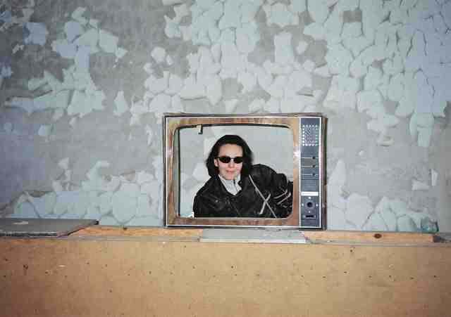 �Fernseher