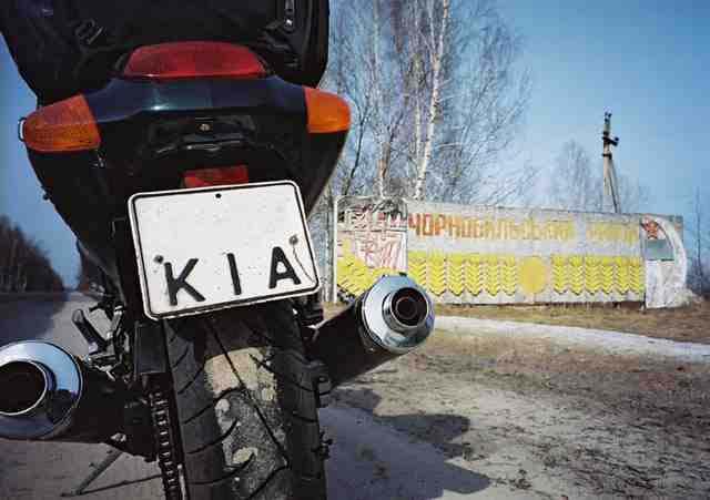 A Chernóbil en moto