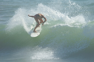 Local Pro Surfer Lauren Holland - Click pic for more