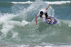 A flat summer for surf leads to some good skim breaks - click pic for more
