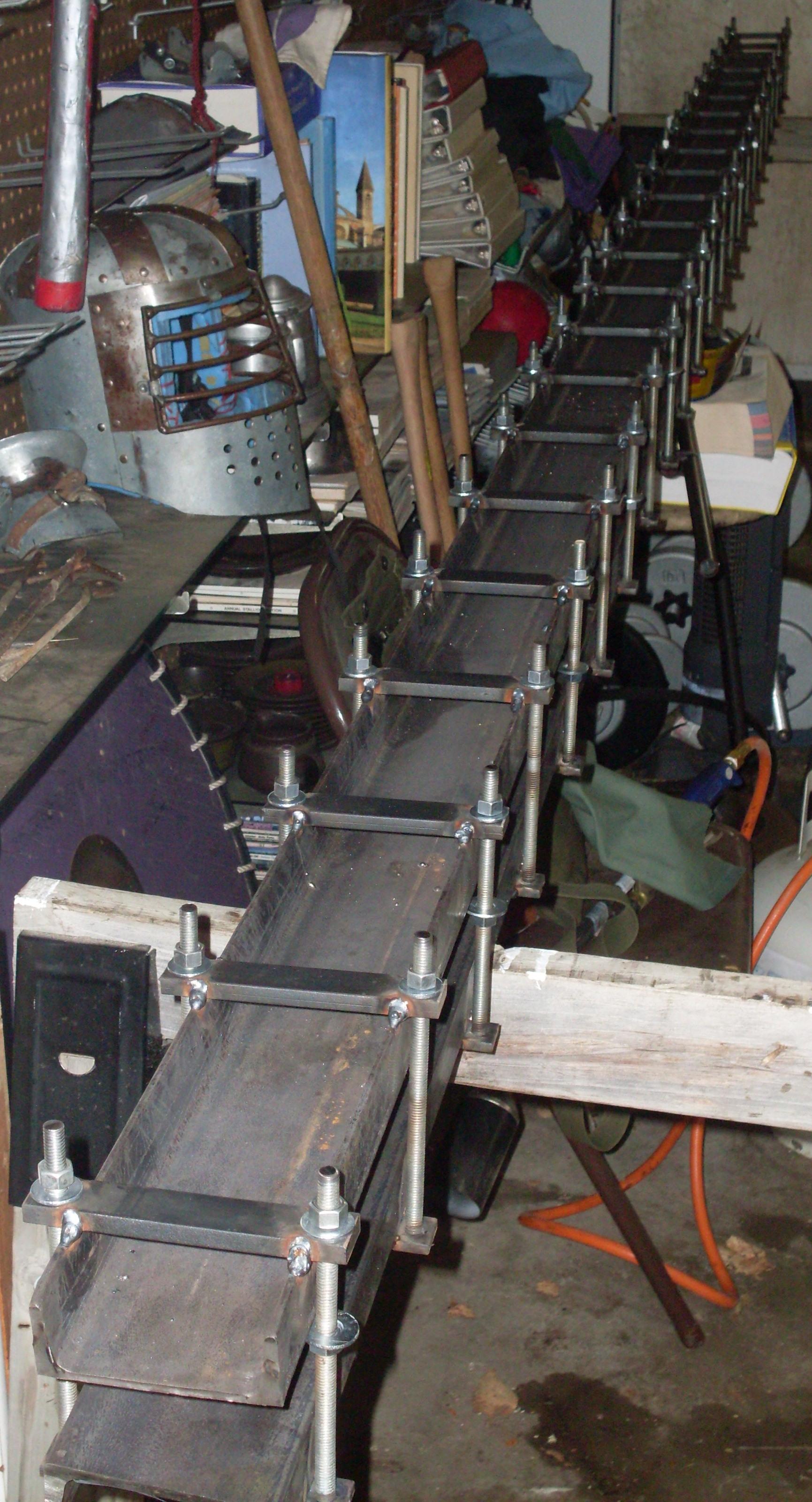 Tubing press for making aerodynamic aviation tubing