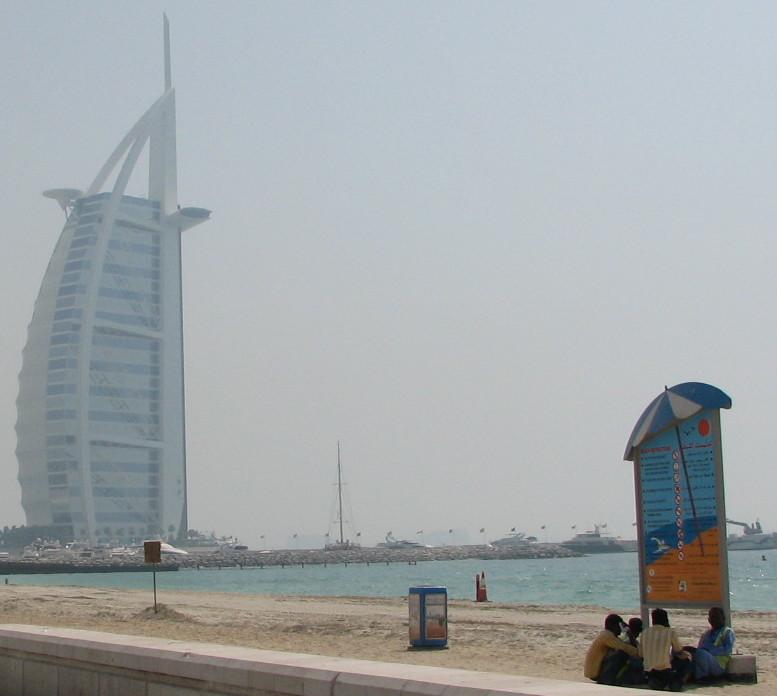 Crowded World, Dubai