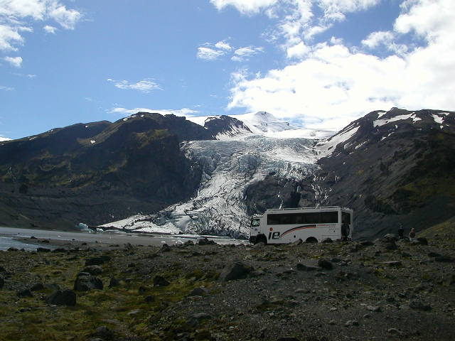 Here is the bus I had ridden from Reykjavik past Hekla and Seljalandsfoss to this stunning subarctic wonderland, and it was a true beast, capable of conquering any landscape, as the busdriver Batti produly boasted