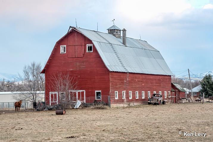 Darley barn, Wellsville, Utah photo