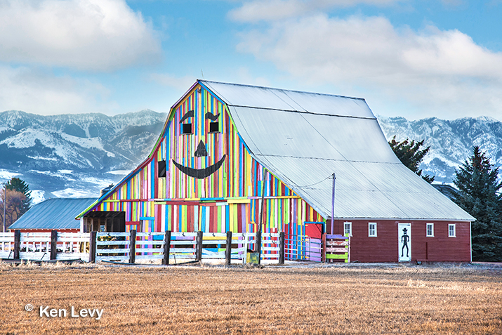 Barn Smiley Face photo