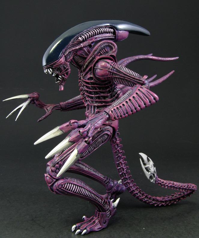 Razor Claw Alien
