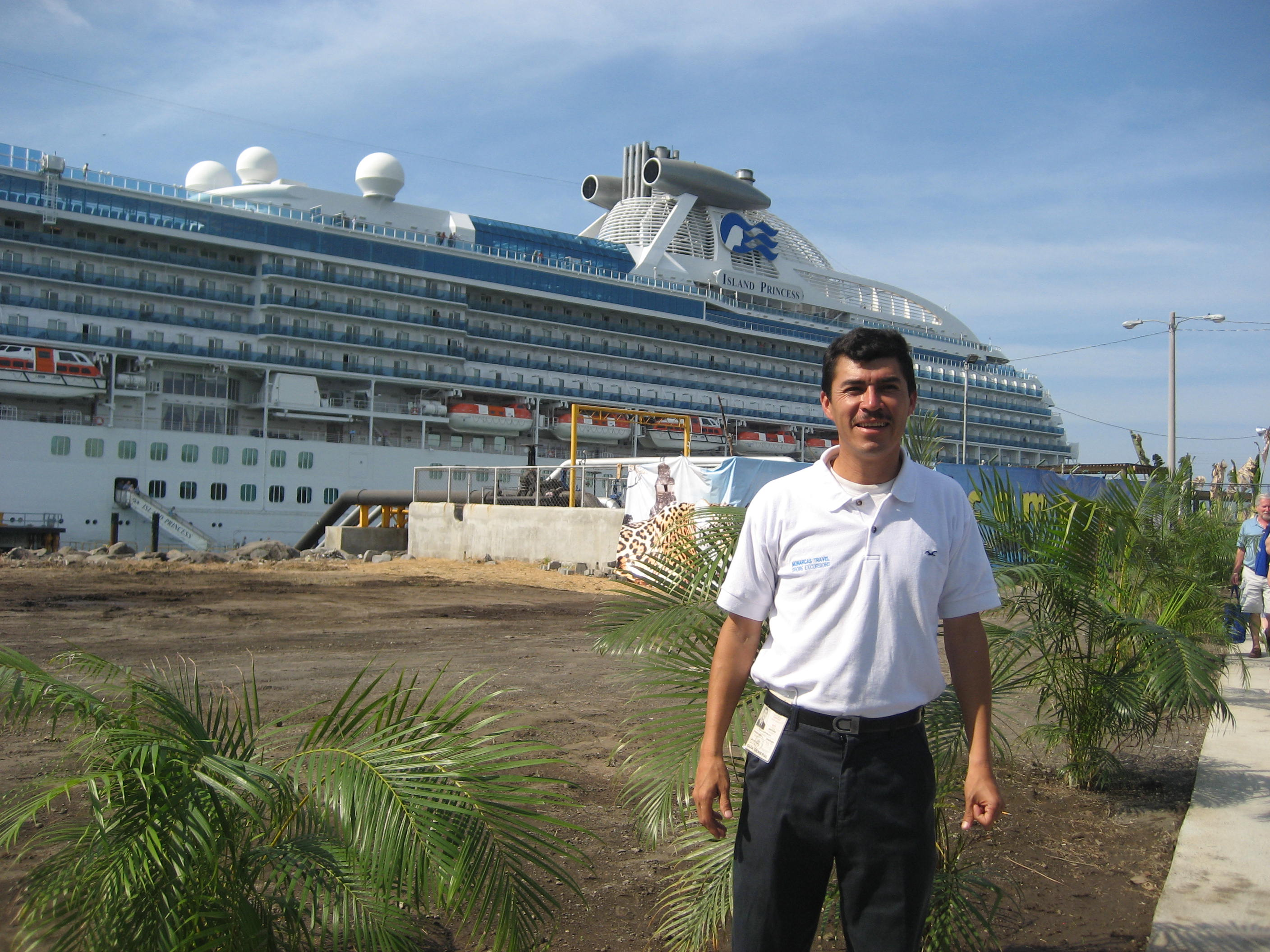 tour guide and cruise