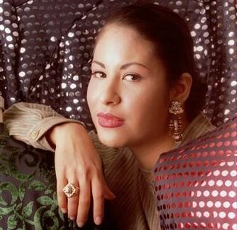 Selena quintanilla perez wedding ring