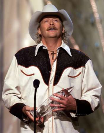 Alan Jackson receiving CMA Award