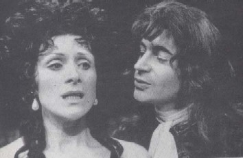 Lady Touchwood (Judy Parfitt) and her lover, Maskwell (John Castle)