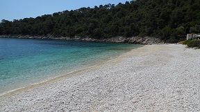 Alonissos restaurants, Island Beach Bar in Leftos Gialos beach