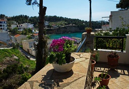 Pefka Apartments, Votsi beach on the island of Alonissos in Greece