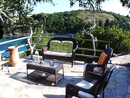 Odyssia near the Seaside - Agios Petros beach Alonissos in Greece