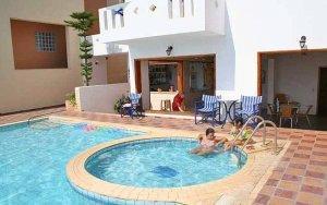Adonis Hotel in Agia Galini.
