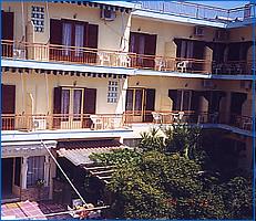 Aegina hotels, Hotel Karyatides