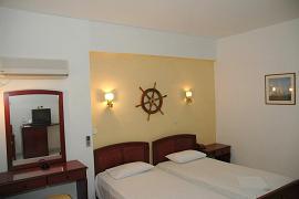 Capetan Georgantas Hotel in Adamas Milos