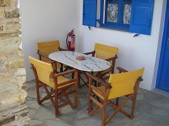 Dolphin Apartments in Antiparos