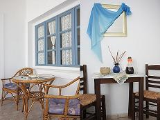 Syros Manos Rooms and Apartments in Megas Gialos Beach
