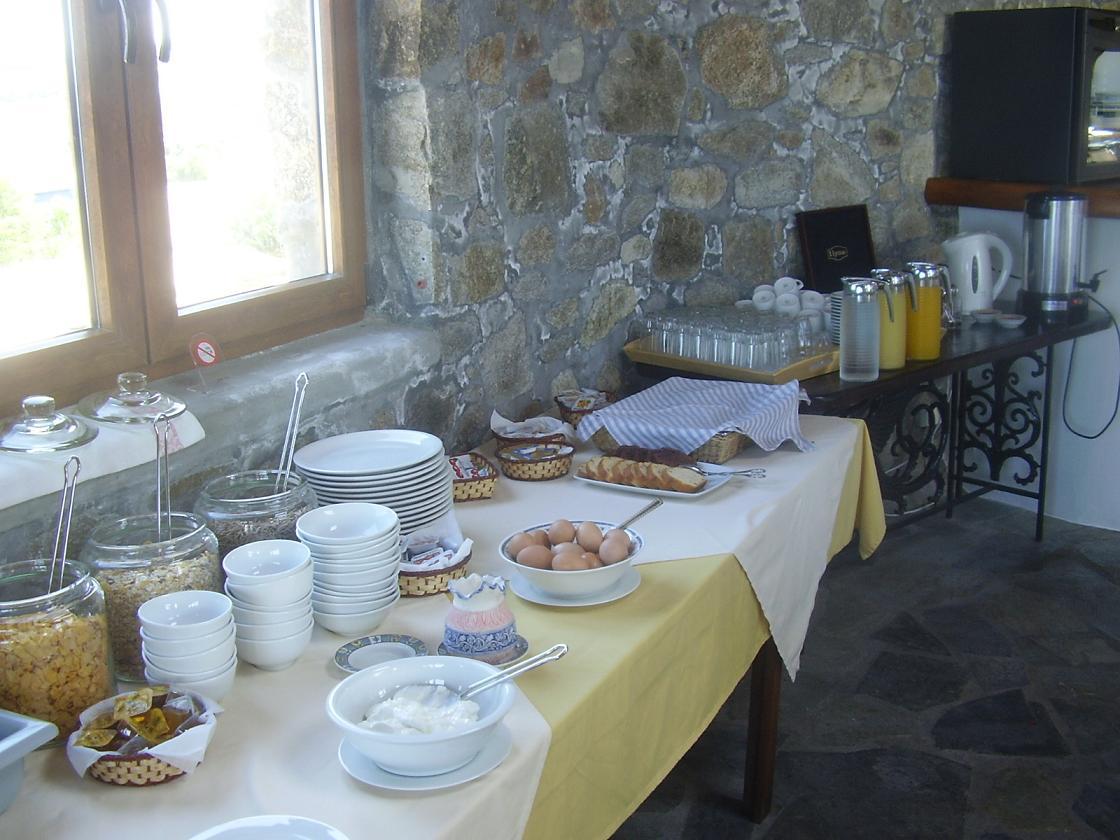 Villa Konstantin in Mykonos town, breakfast