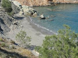 Folegandros, Karavostasis, Vardia Beach