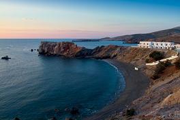 Folegandros, Vardia Bay Studios