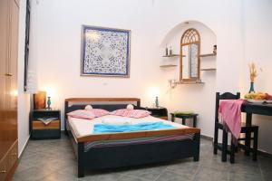 Folegandros, Coral Apartments