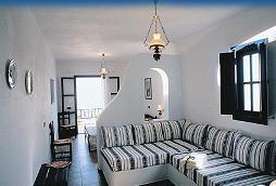 Folegandros, Vrahos Beach Hotel