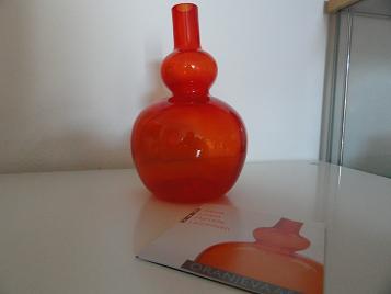 Alexia oranjevaasje van Willem Noyons