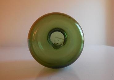 Copier groen vaasje 1932, gesigneerd - hoogte 7,8 cm