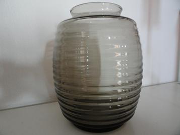 Copier fumi geringde vaas uit 1953