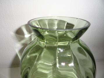 Copier groene optiekvaas H-collectie 1938