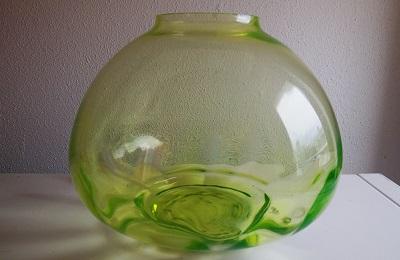 Vert-chine glazen Mira no.3 vaas, ontwerp W.J.Rozendaal 1931, uitvoering Kristalunie Maastricht