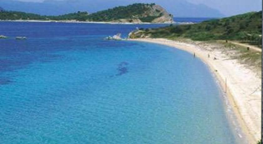 The nicest beaches and hotels on the island of Amoliani or