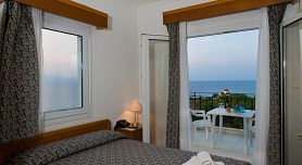 Lazaridis Luxury Studios & Apartments in Nea Roda, Halkidiki