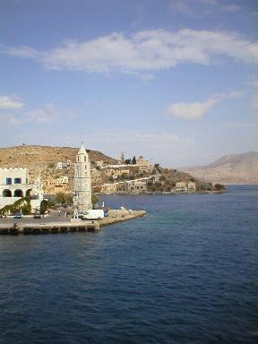 De klokkentoren van Yialos op Symi