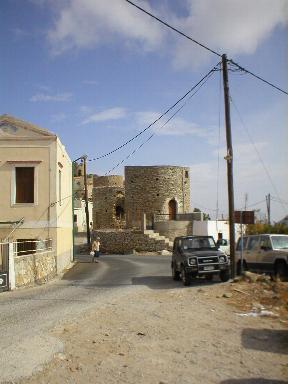 Windmolens boven Yialos stad
