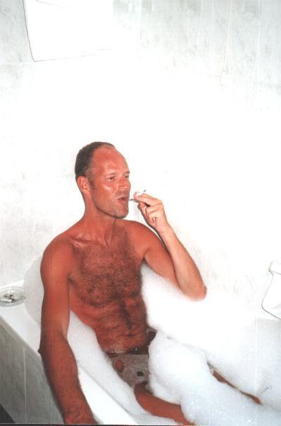 ik in het bad in een hotel in Heraklion