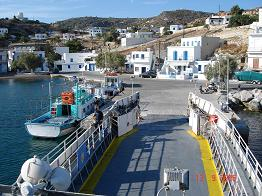 Ferry from Milos arriving in Kimolos