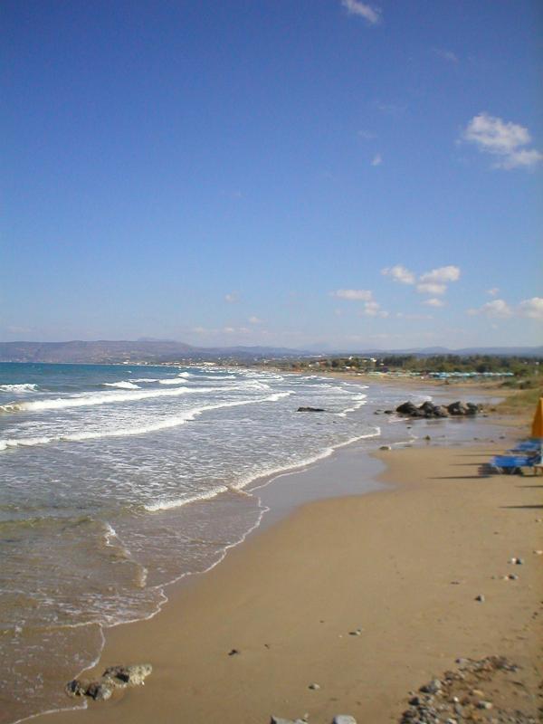 De tien kilometers strand bij Georgioupoli.