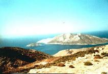 Het eiland Nikouria vanuit de bus