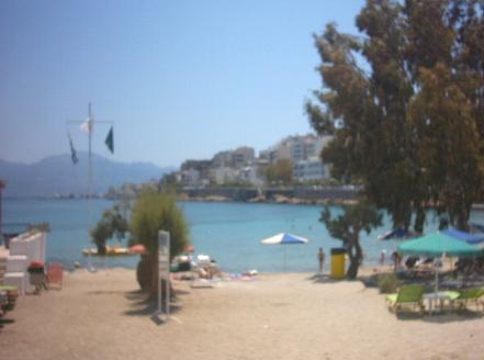 The town beach (Ammoudi beach).